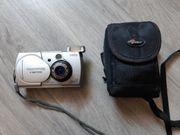 Digitalkamera Olympus und 1 Mikrofon