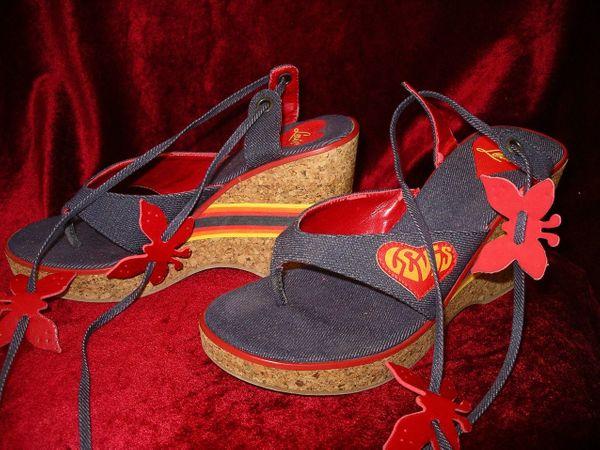 Kult-Schuh Levis-Sandalen Gr 38 Keilabsatz