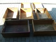 7 alte große Holzkisten zu