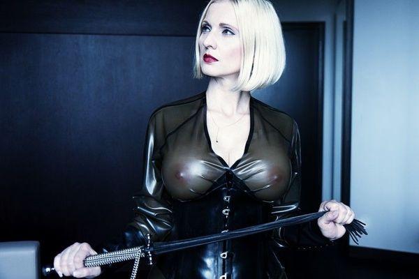 Mistress Anda - erfahren bildhübsch berührbar