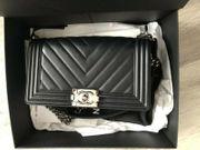 Chanel Boy - Tasche - Silberne Hardware