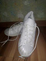 Neuwertigen Sport Laufschuhe Die Schuhen