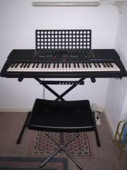 Keyboard Yamaha PSR 500 mit