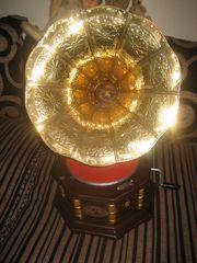 super altes Grammophon zu Weihnachten