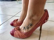 Damen High Heels getragen Gr