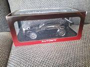 Modellauto Aston Martin Vantage V12