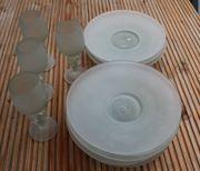 8 Glasteller 4 Gläser aus