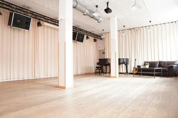 Loft Proberaum Kursraum oder Theaterraum