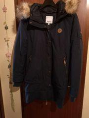 Schöne Bench Winterjacke Mantel