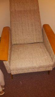 älterer Sessel etwas verstellbar im