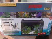 Nagelneues Aquarium LED Komplettset Eheim