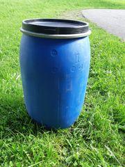 Plastikfässer zu verkaufen