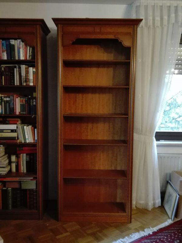 Zwei Echtholz-Bücherregale Kirschbaumholz