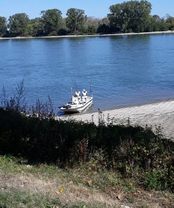 Angelboot Carolina SkiffJ16 mit Trailer