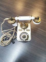 Altes Telefon zum Verkauf