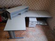 Schreibtisch mit Dokumentenschrank