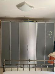 Super Schlafzimmer Schränke silber Metallbett