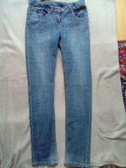 Jeans mit verstellbarem Bund Gr