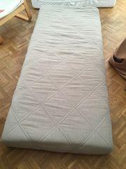 Kleine Matratze zu verschenken