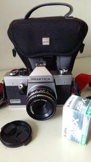 Kamera Praktica Autoreflex S mit