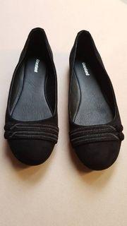 neue Ballerinas in schwarz Größe