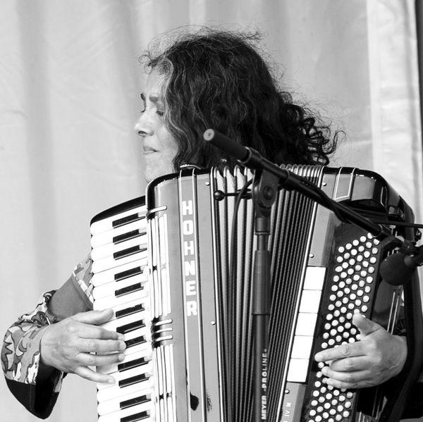 Klezmer-Akkordeon - Musikalische Umrahmung von Vernissagen