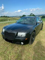 Chrysler 300C 5 7L V8