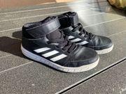 Kinderturnschuhe Adidas Größe 36