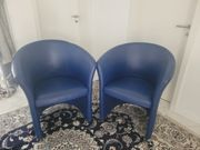 2 blaue Ledersessel
