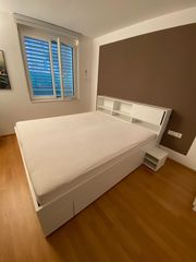 Doppelbett Lattenroste und Matratzen