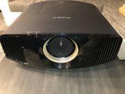 Sony VPL-VW360ES schwarz 4K-SXRD-Heimkinoprojektor 1500