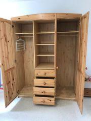 Jugendzimmer - Schrank Bett Schreibtisch Couchtisch
