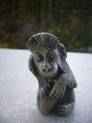 Vintage-Tierfigur Affe aus Zinn Peltro