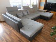 Couch-Landschaft mit Bettenfunktion