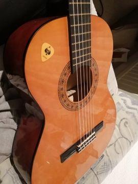 Gitarren/-zubehör - Holz Gitarre mit Chip Tasche