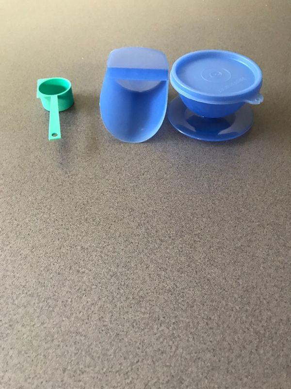Tupperware Kaffee-und Mehllöffel und eine