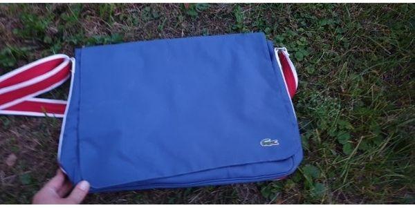 Lacoste Umhängetasche oder Laptoptasche