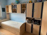 Kinderzimmer Möbel mit Bett und