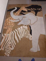 Teppich von Ikea mit Tiermuster