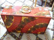 Koffer aus Holz bunt gemalt