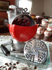 Retro Küchenreibe vollständig und funktionsfähig