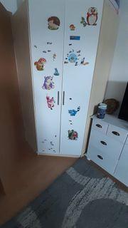 Kinderzimmer Eckschrank