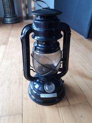 Petroleum Lampe mit Lampenöl Sturmlaterne