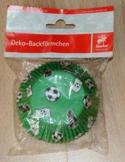 NEU - Back-Förmchen - Fußball-Motiv - Muffin-Formen - in