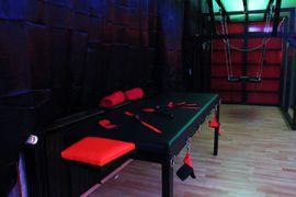 Bars, Clubs & Erotikwohnung - BDSMietstudio - Spielen ohne Grenzen