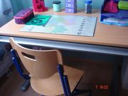 Super verstellbarer Kinderschreibtisch mit Stuhl
