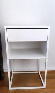 Ikea Nachttisch Vikhammer in weiß