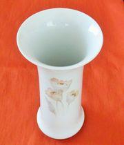 Vase von Kaiser-Porzellan Modell 24