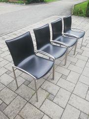 Stühle mit Chromstahlgestell und Ledersitz