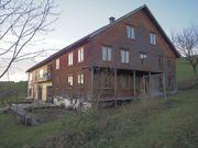 Vorderhaus eines liebevoll sanierten Bauernhauses